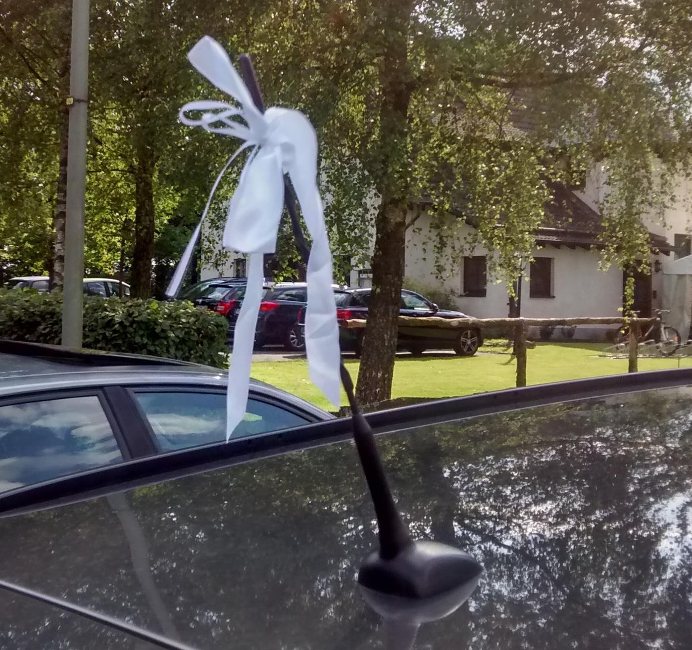 Tipps für Autoschleifen zur Hochzeit - hochzeitsdekoration