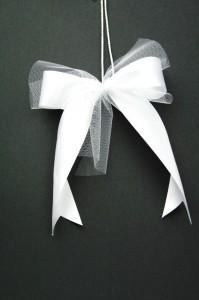Hochzeitsschleife zweifach kurz 199x300 Tips für Hochzeitsschleifen Satinband günstig kaufen