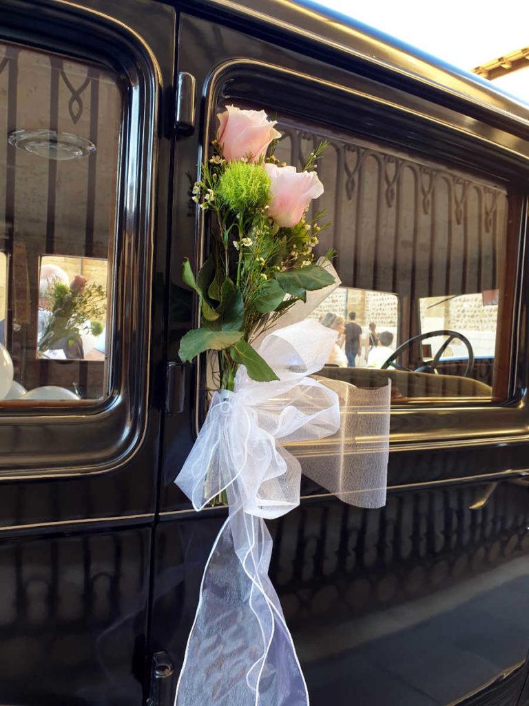 Autoschleifen für die Hochzeitsgäste - hochzeitsdekoration