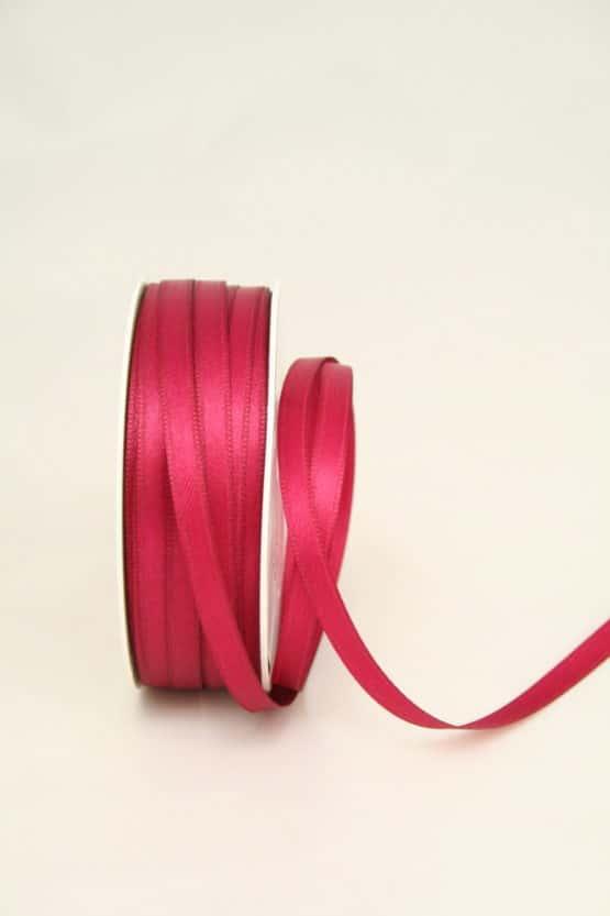 Satinband in einer Breite von 6 mm
