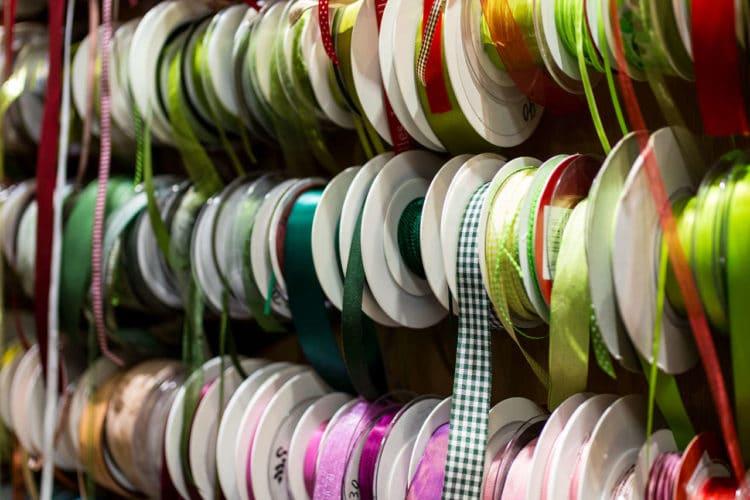 Wissenswertes über Satinband und andere Bänder - satinband, geschenkband, allgemein